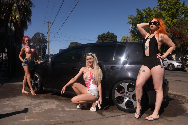 BikiniCarWash15