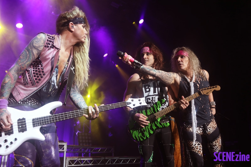 SteelPanther32