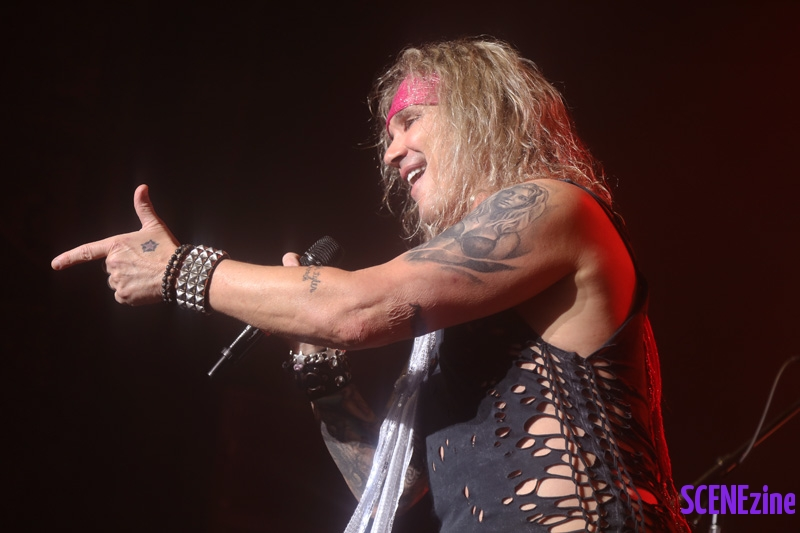 SteelPanther60