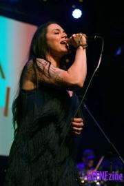 VanessaAmorosi21
