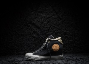 Converse_Chuck_Taylor_All_Star_Black_and_Gold_Wedge_large